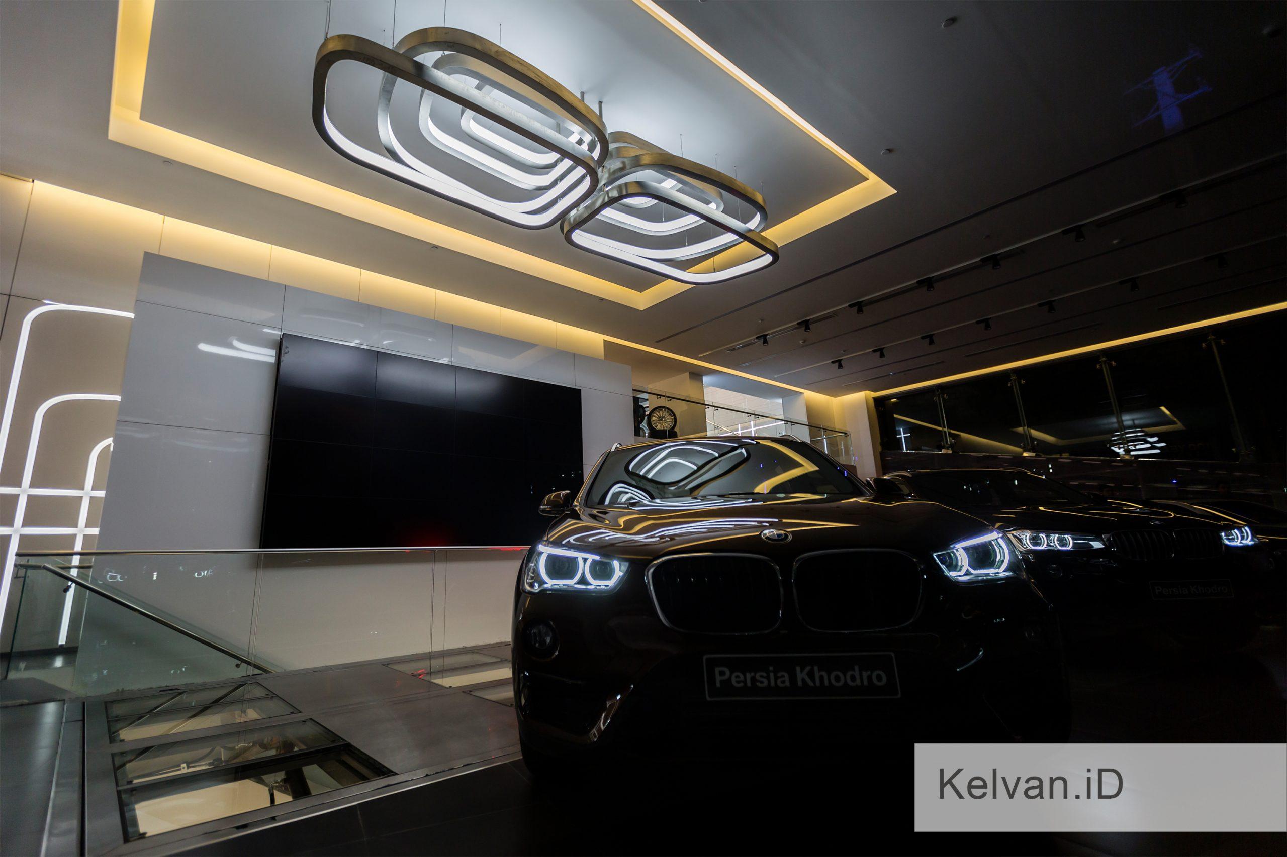 BMW-Showroom & Accessories Center 04
