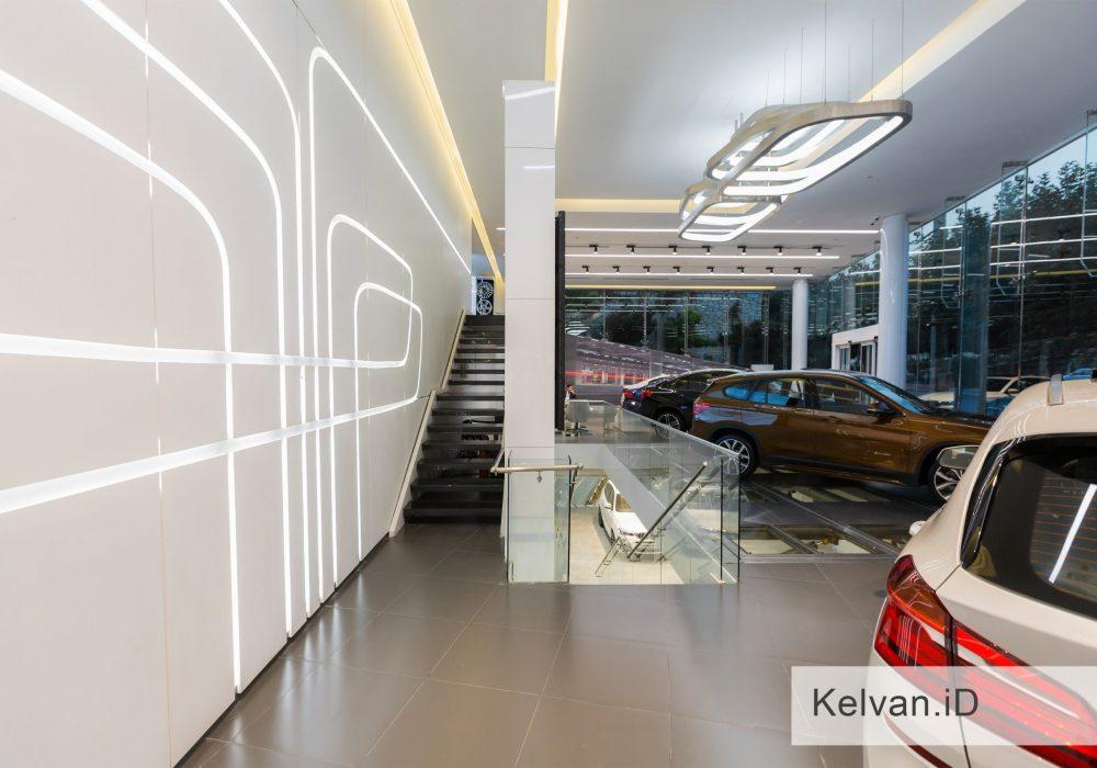 BMW-Showroom & Accessories Center 05
