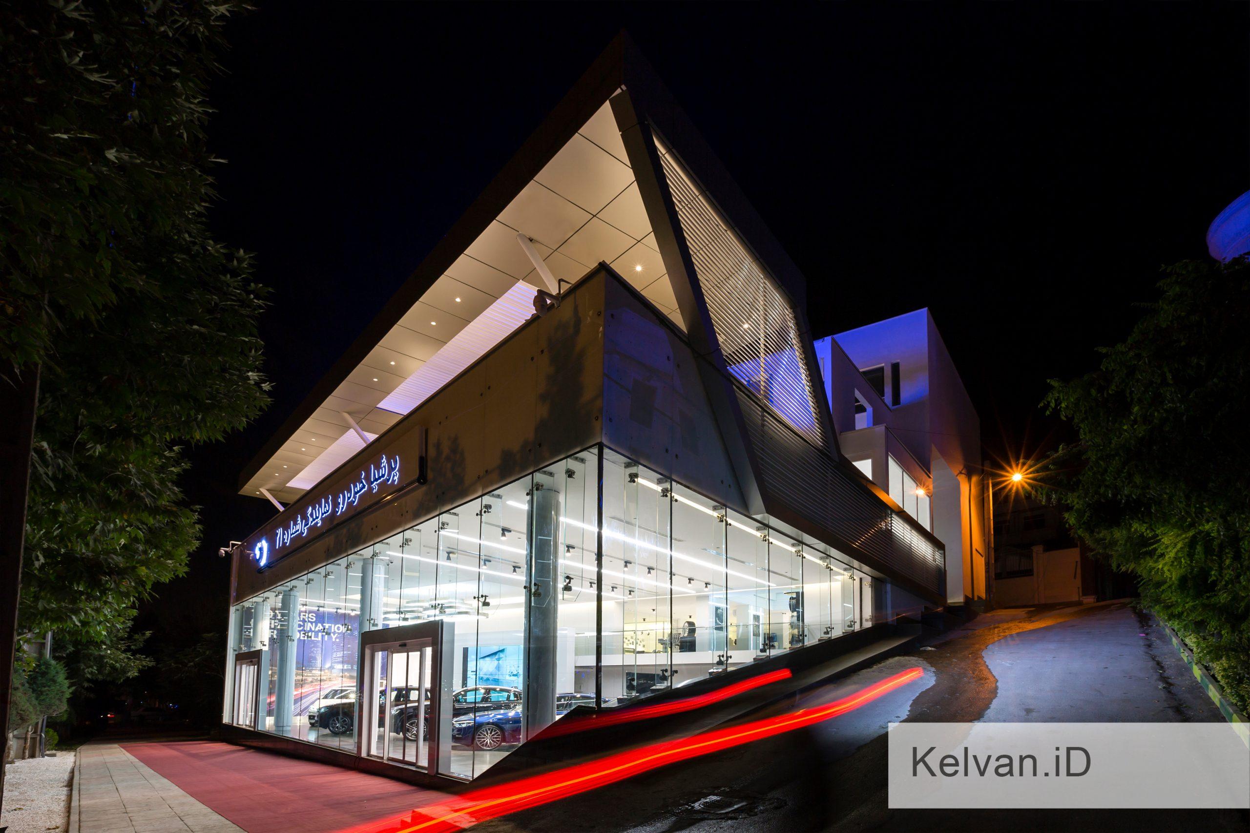 BMW-Showroom & Accessories Center 14
