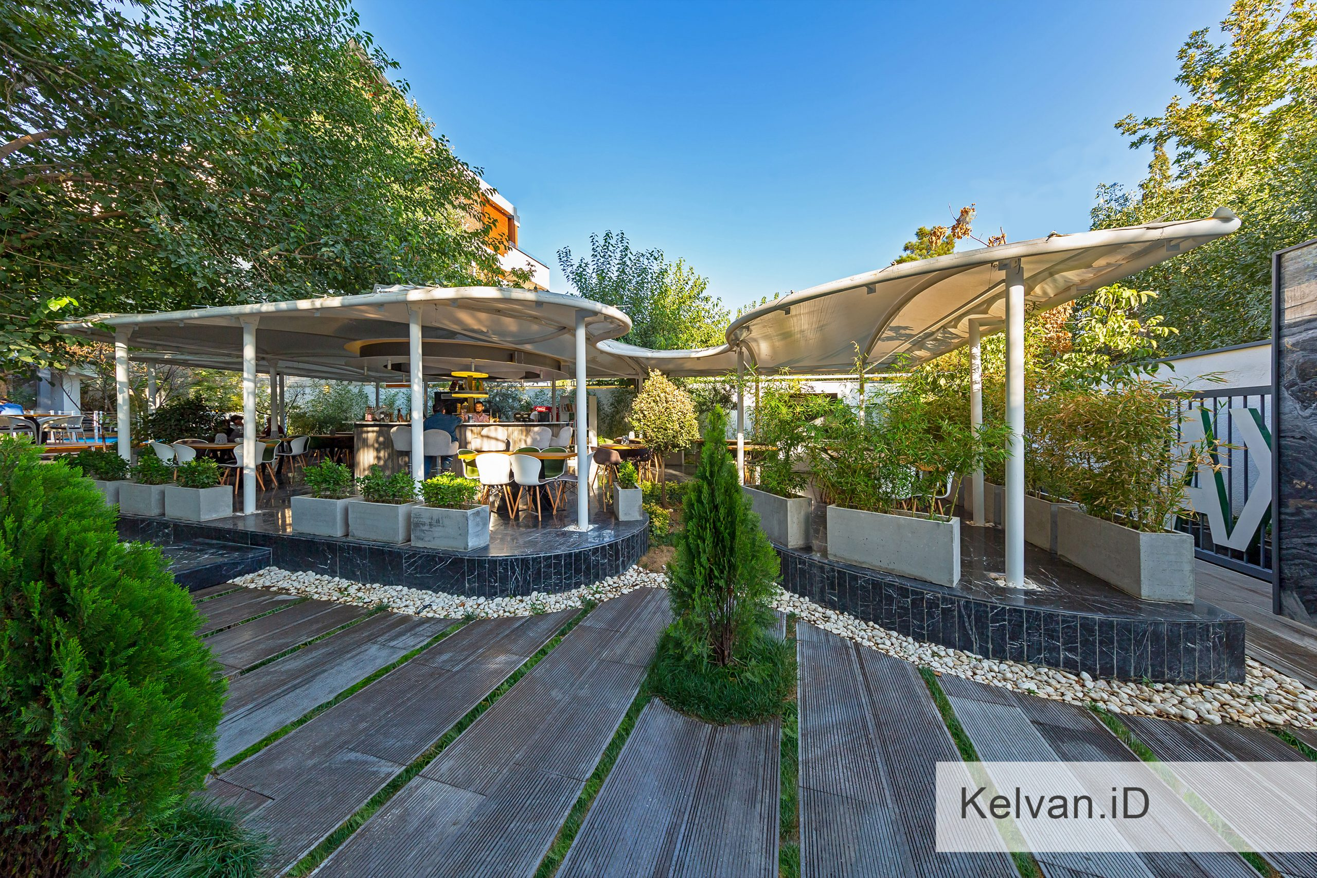 Kelvan-Lukas Restaurant 01