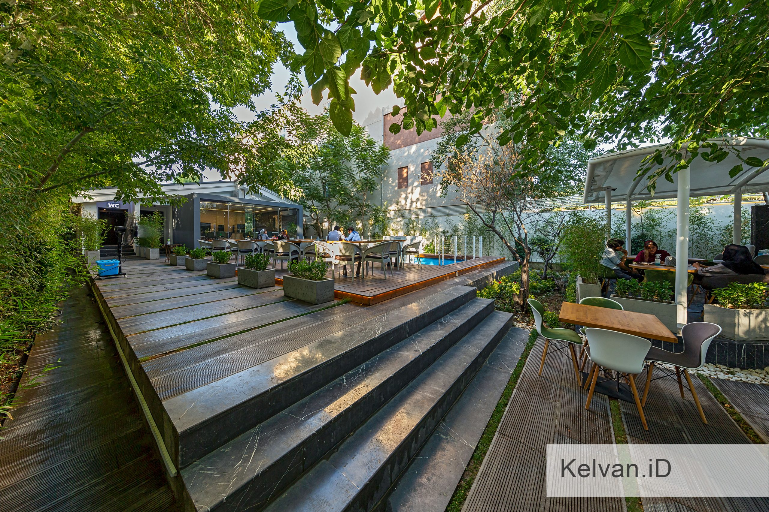 Kelvan-Lukas Restaurant 06