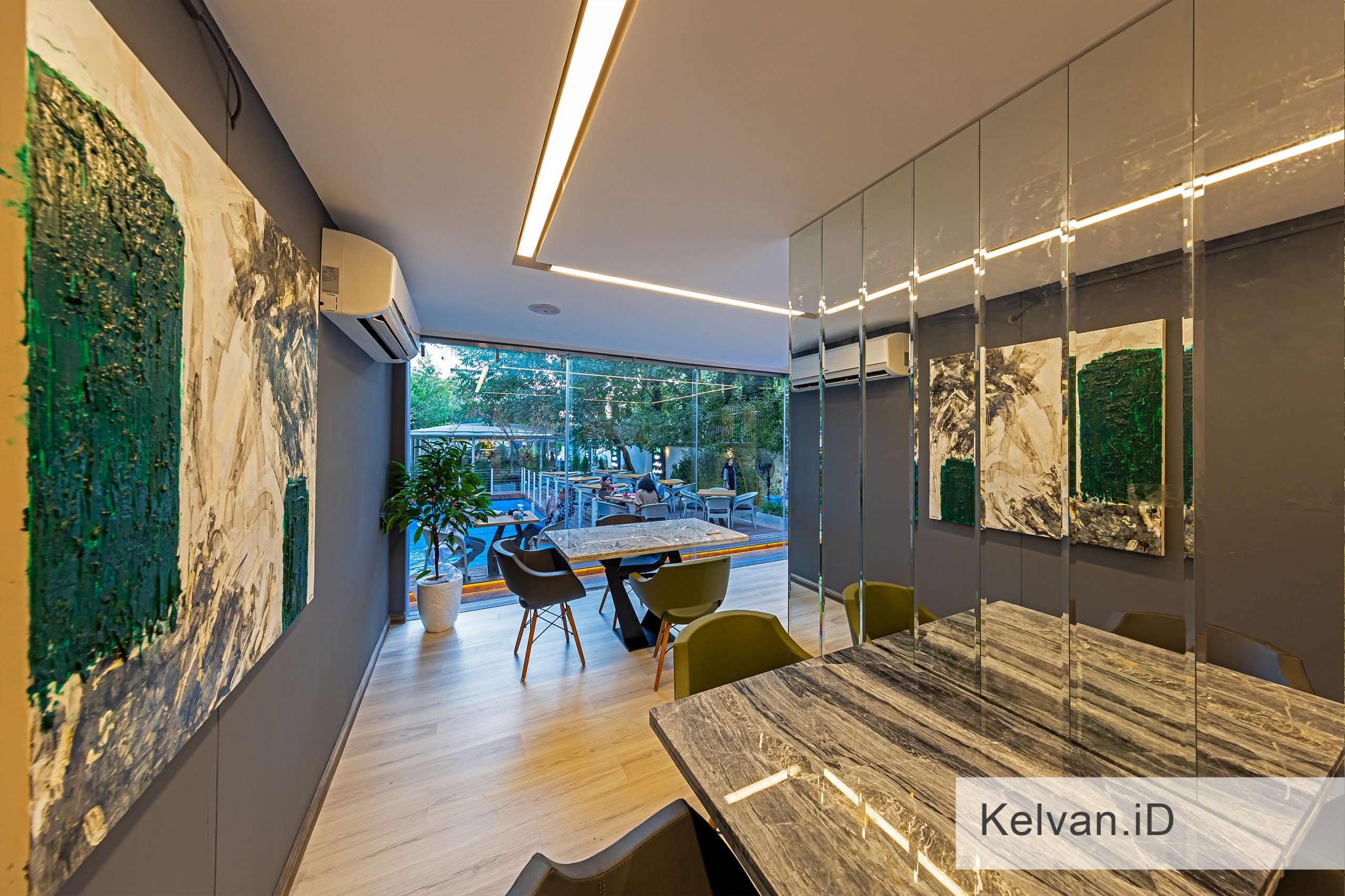 Kelvan-Lukas Restaurant 13